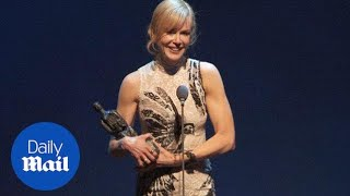 Nicole Kidman honours dad in Theatre Awards speech - Daily Mail