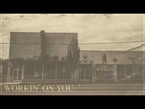 Download Dustin Lynch - Workin' On You  Audio Mp4 baru
