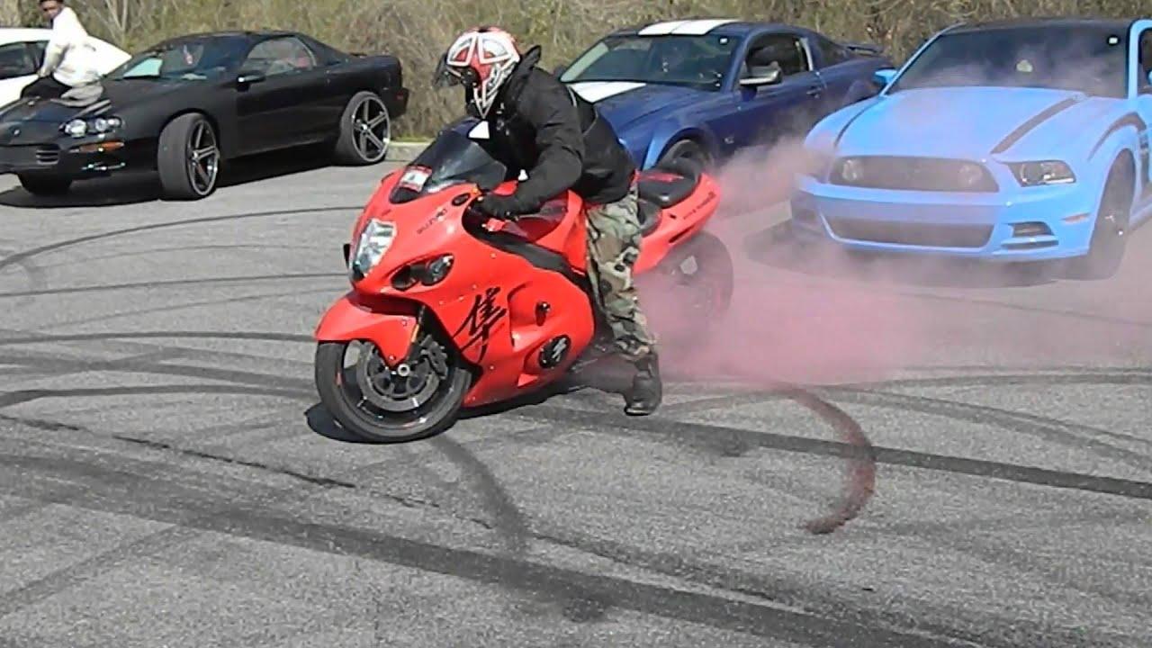 suzuki hayabusa burnout with red smoke youtube