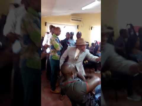 Conférence de presse de Tidiane World Music boycotter par un agent de la SOBRAGUI