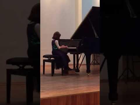 Anfisa Margarita Dangl piano