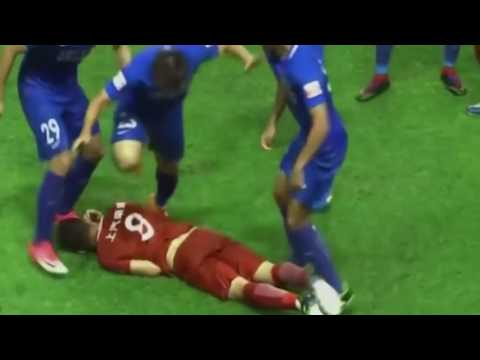 Former Chelsea star Oscar accidentally started a fight in China Super League