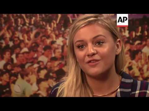 Country star Kelsea Ballerini performs for patients at Phoenix Children's Hospital