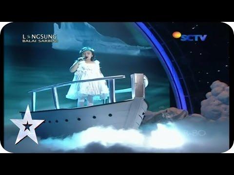 Putri Ariani sings