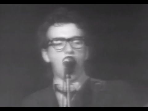 Elvis Costello & the Attractions - Radio, Radio - 5/5/1978 - Capitol Theatre (Official)
