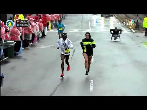 Des Linden, who lives in Michigan, wins Boston Marathon