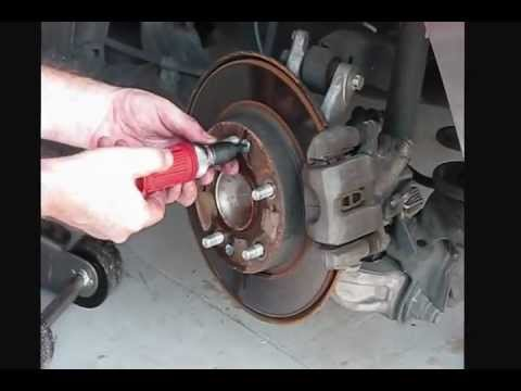 How to replace brake pads and rotors on Honda Civic 2007 part3 - YouTube