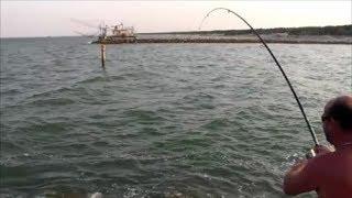 Pesca dagli scogli in mare
