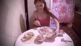 Салат с сухариками Флинт, сыром и ветчиной или сколько раз я сьела салат за видео How much salad