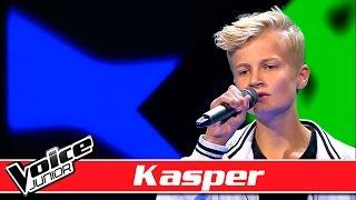 Kasper synger: Scarlet Pleasure – 'The Strip' – Voice Junior / Blinds