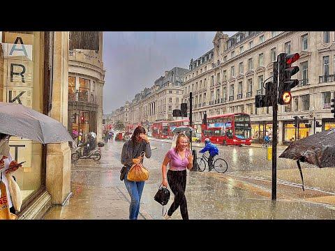 Central London In HEAVY RAIN Showers 🌧🌧London Summer Walk- August 2021[4k HDR]