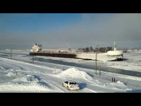 Great Lakes Freighter American Mariner