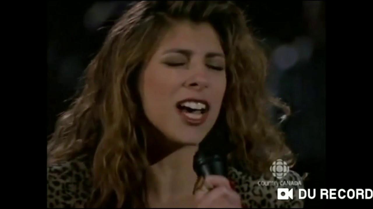 Lori Alter singing Hallelujah - YouTube