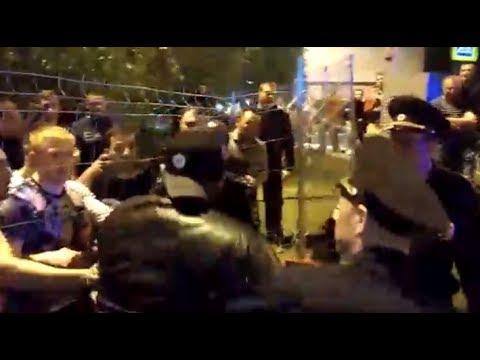 Боец РМК ударил полицейского