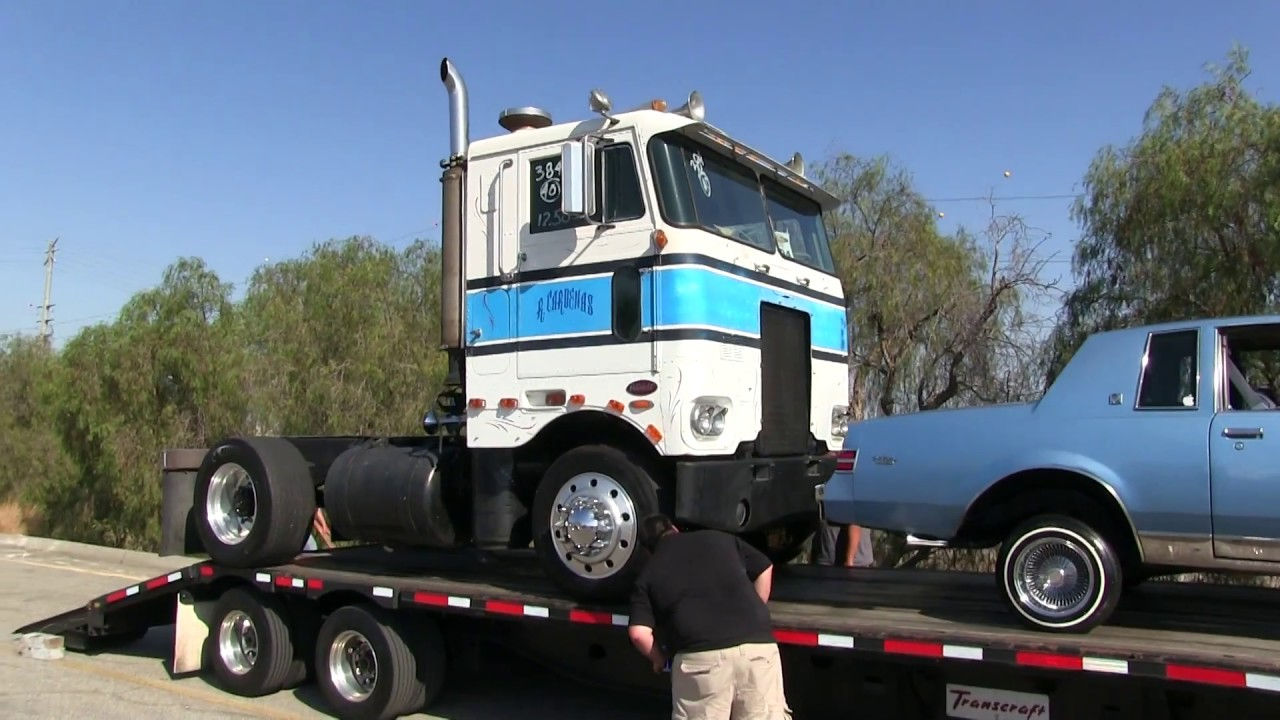 Loading Up The 2-Stroke Detroit Diesel Powered Peterbilt 352 Drag Racer At  Truckin' For Kids 2017