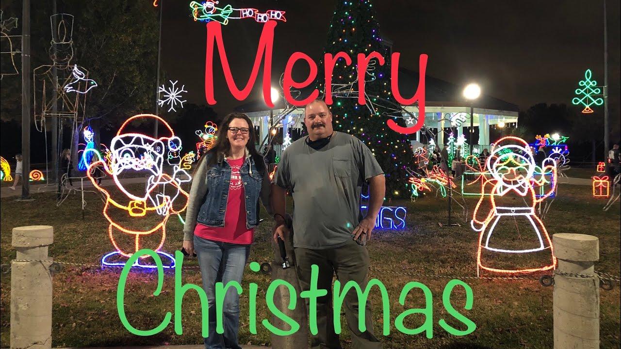 Christmas In The Park 2021 Lafreniere Walk Through Christmas Lights Lafreniere Park Metairie La 2020 Youtube