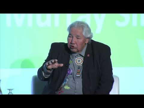 Murray Sinclair and Minister Carr talk about Canada's energy future