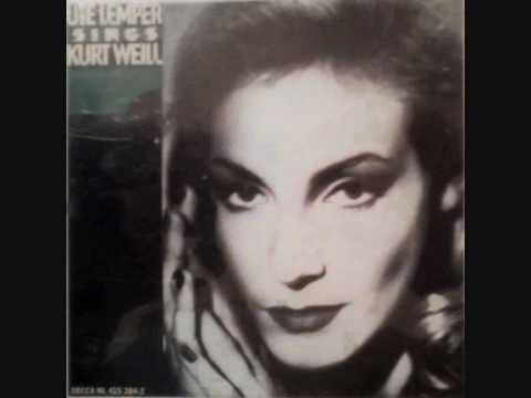 Ute Lemper sings Kurt Weill - Speak low
