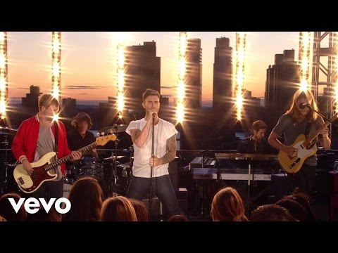 Maroon 5 - Makes Me Wonder VEVO Summer Sets