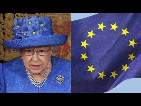 Was the Queen's hat an anti-Brexit message?