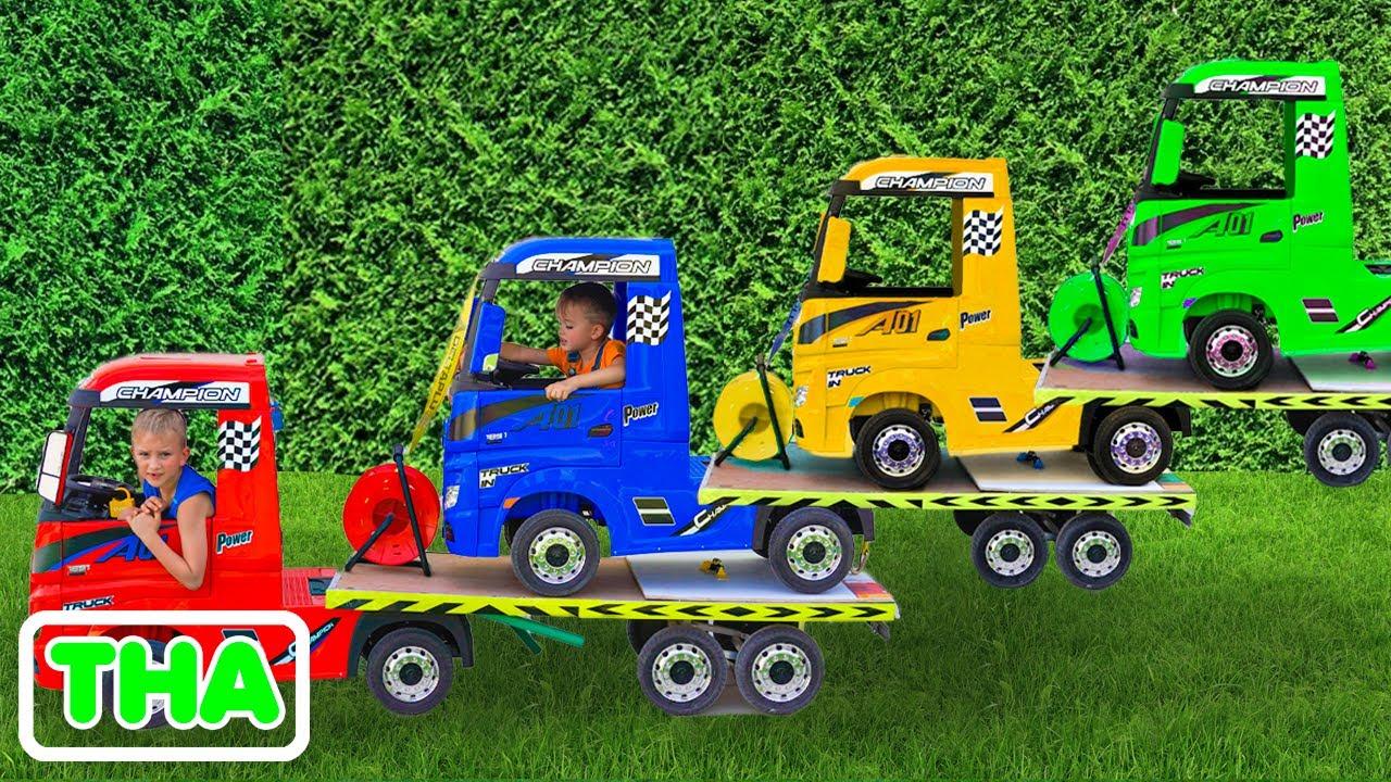 นิกินั่งรถลากและขายรถของเล่นสำหรับเด็ก