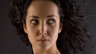 Peia Luzzi & Estas Tonne - Bird's Teardrops