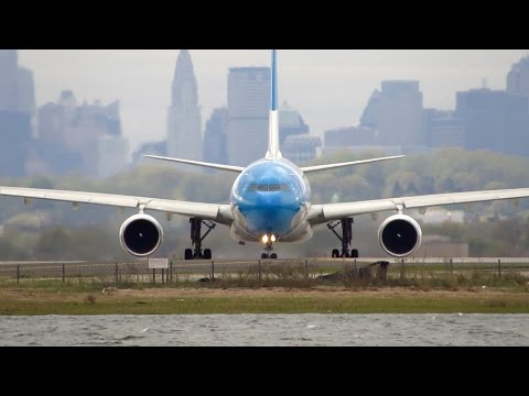 STUNNING Aerolineas Argentinas Airbus A330-200 [LV-FNJ] Takeoff from New York JFK Airport [Full HD]