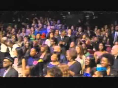 R Kelly - When a Woman Loves - Live at The Soul Train Awards