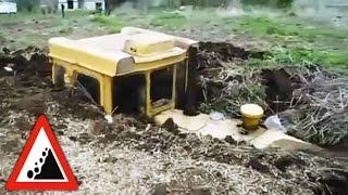 Бездорожье. Трактора утонули в навозной яме