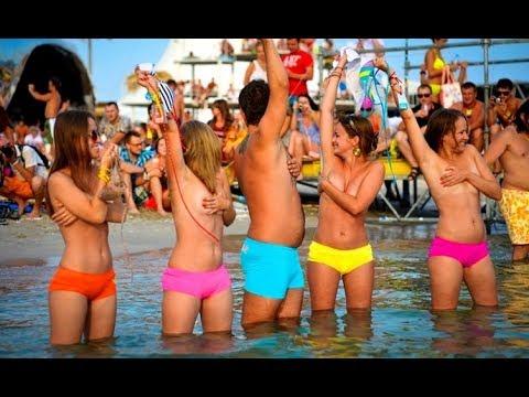 купание голышом - Смотреть на Мета Видео онлайн бесплатно