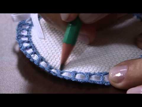 12/09/2013 Mulher.com- Medalhão com acabamento em crochê para aplicação - Selma Cruz -(Bloco2/2)