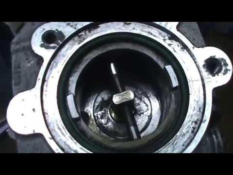 Válvula EGR, desmontaje y limpieza. Citroen C3. Video 24 de 27.