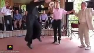 მამაო ცეკვავს პაპიტოს   mamao cekvavs papitos  D