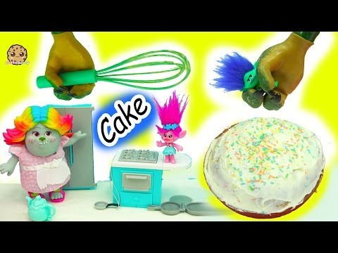 Thumbnail: Baking A Cake With Dreamworks Trolls Poppy, Branch and Bergen Bridget - Video