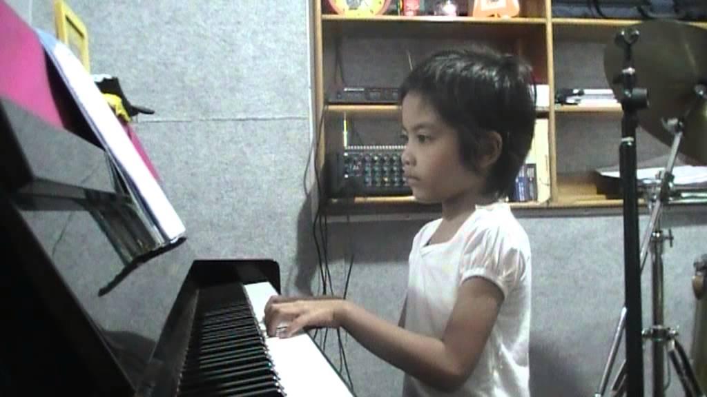 Anak Kambing Saya, Lintang Thalita on Piano - YouTube