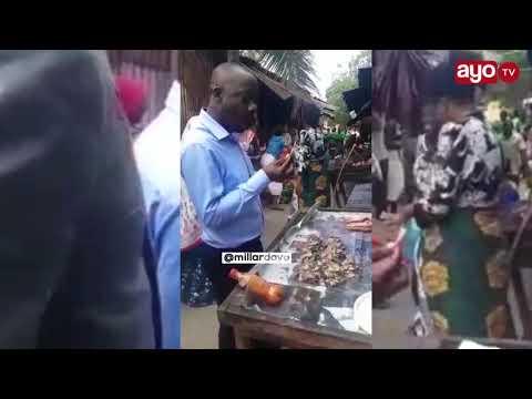 VIDEO ILIYOMNASA ASKOFU GWAJIMA AKILA DAGAA USWAHILINI, WANANCHI WAMUIMBIA