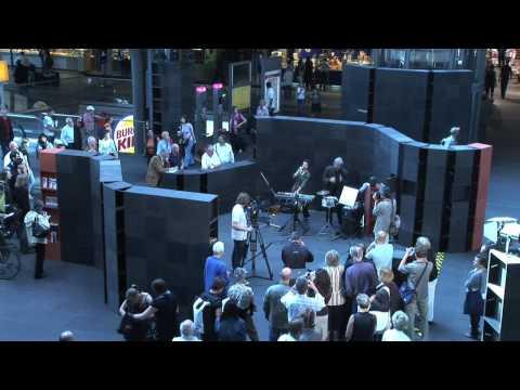 Ankunft: Neue Musik - Festival 2009 im Berliner Hauptbahnhof