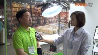 [LED EXPO 영상] 쏘모라이팅, 고효율 LED 투광등 선보여(쏘모라이팅(대표 최훈, www.sommolighting.com)은 오는 28일까지 고양 킨텍스에서 열리는 '국제 LED EXPO & OLED EXPO(Int'l LED EXPO & OLED EXPO 2013)' ..., 2013-06-27T14:17:42.000Z)