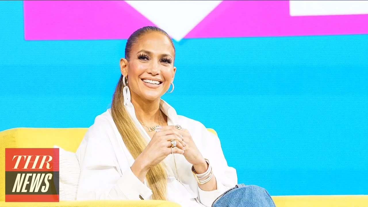 See Jennifer Lopez as a sexy stripper ringleader in Hustlers set photo