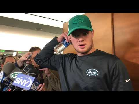 Jets' Sam Darnold unfazed by strained foot