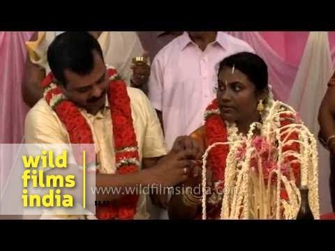 Groom And Bride Exchange Wedding Rings Kerala Wedding Youtube