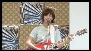 木下ひなこ(Vo.&Gt.) 佐藤美咲(Bass) 蒼井ちあき(Lead Gt.) 渚奈子(Drs.)