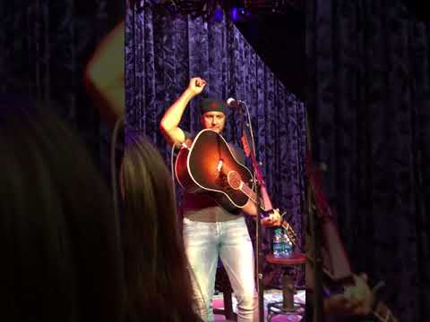 Luke Bryan Fan Club Party 2018 - She Get Me High/Strip It Down/Like You Say You Do
