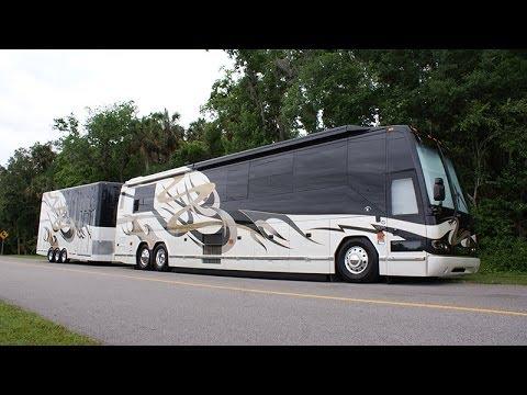 Millennium Luxury Coaches 2005 Featherlite H3 45 S2
