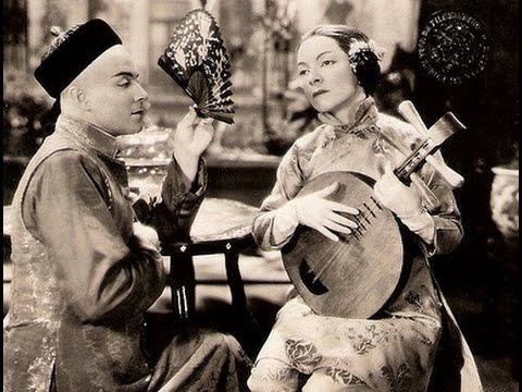 Ramon Novarro and Helen Hayes duet