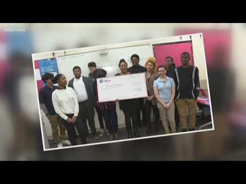 Giving back: Cleveland High School for Digital Arts teacher has special way of inspiring students