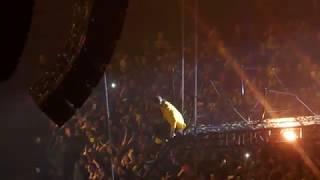 twenty-one-pilots-pet-cheetah-in-concert-la-ca-bandito-tour-11-10-2018-the-forum