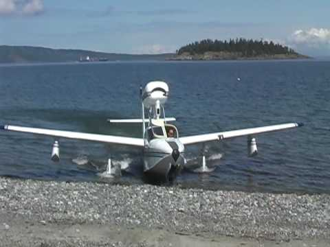 N7615L Lake LA4 Amphibious Seaplane parking on the beach