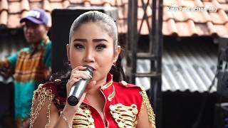 Download lagu Anget Anget Anik Arnika Live Bandengan Mundu Cirebon MP3