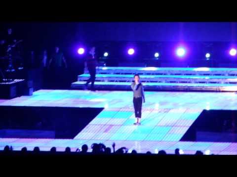 Glee Live - I Wanna Hold Your Hand - Chris Colfer/ Kurt Hummel - 23rd June '11